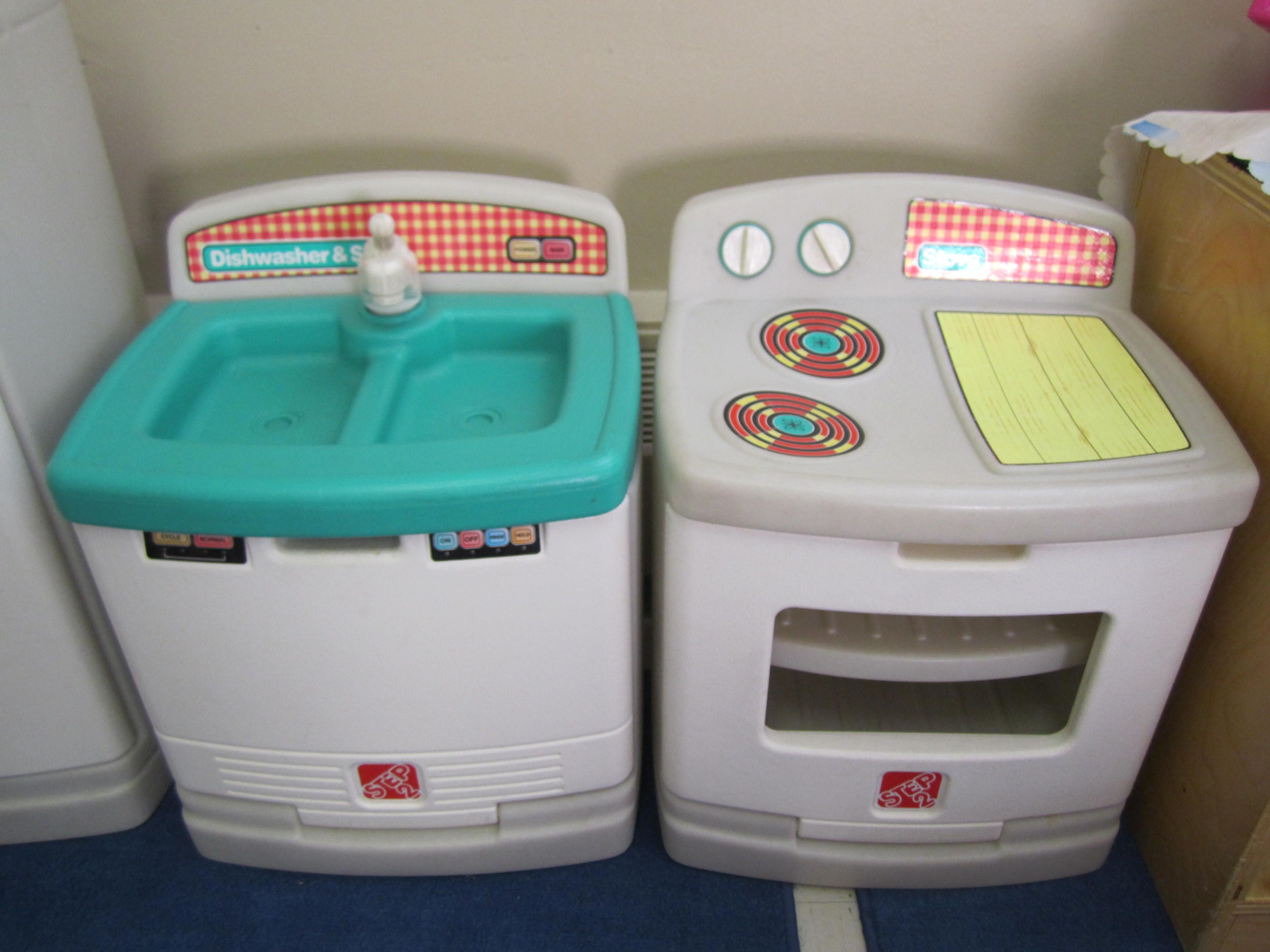 Dramatic: Children can imitate daily routine by using kitchen set ...