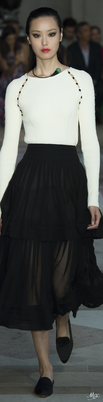 Spring 2017 Ready-to-Wear Carolina Herrera
