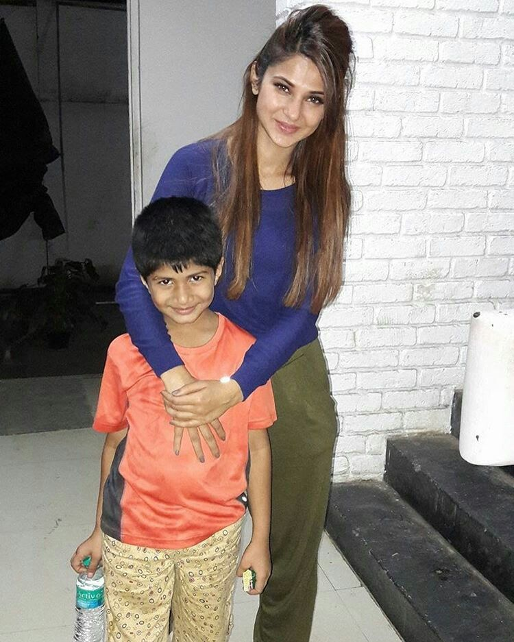 I Think Thts Her Son Jennifer Winget Beautiful Bollywood Actress Jennifer Winget Beyhadh