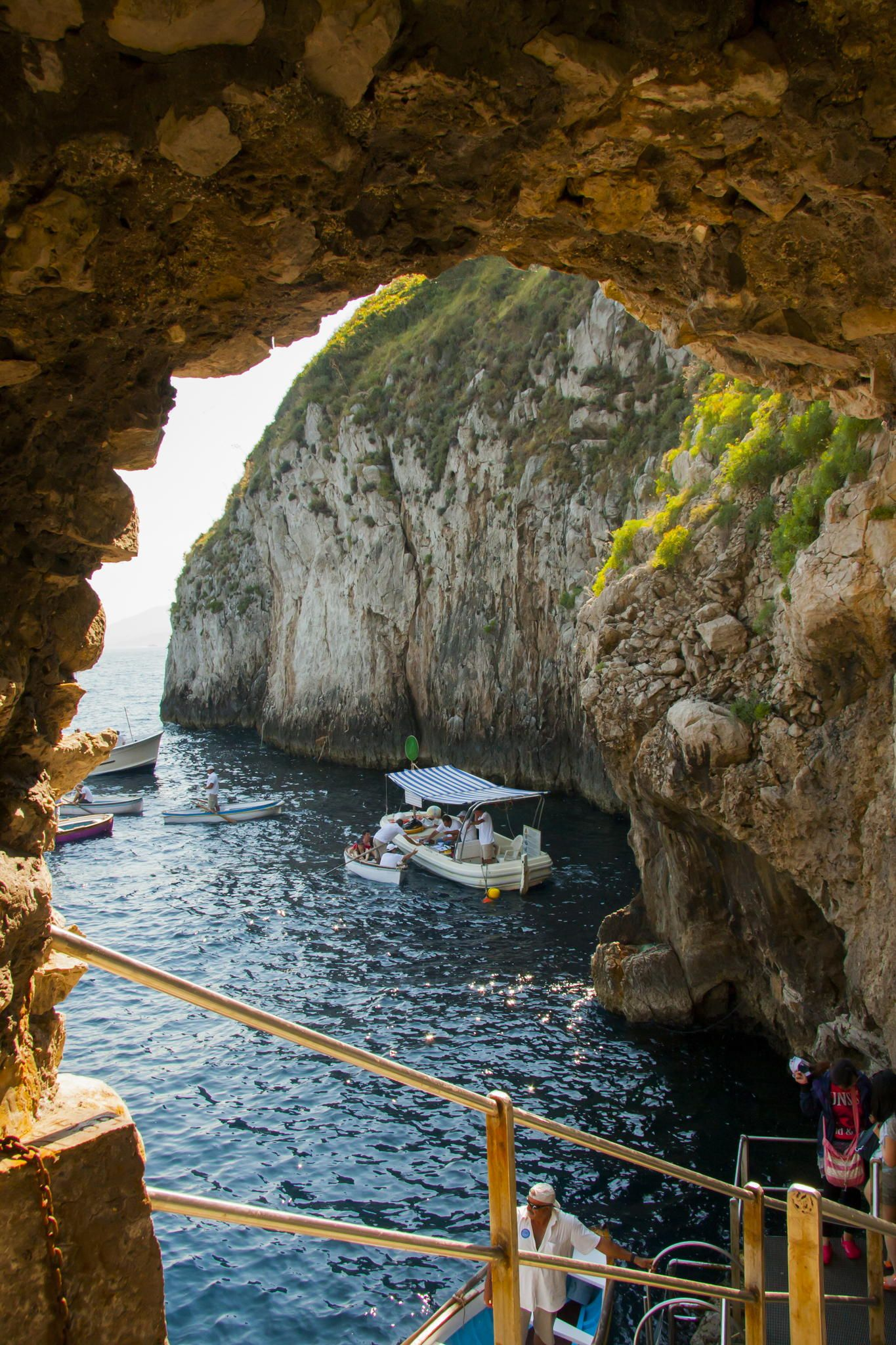Entrada a la gruta azul Grotta Azzurra