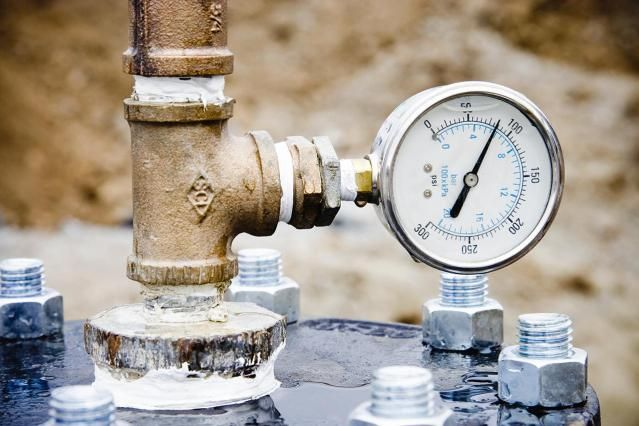 How To Test Your Home Water Pressure The Easy Way Low Water Pressure Water Pressure Gauge Plumbing Valves
