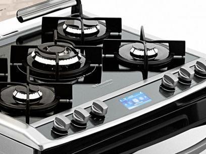4509e82f1 Fogão 5 Bocas Electrolux 76DIX Inox Forno Duplo - Grill Tripla-Chama  Acendimento Superautomático com as melhores condições você encontra no  Magazine ...