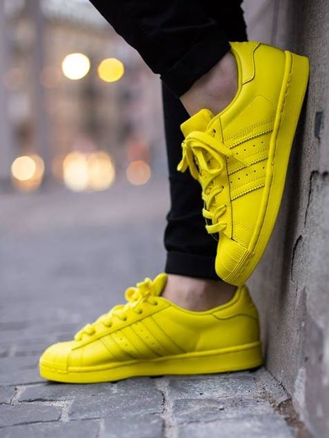 meet b680c 78a5b Pharrell Williams x adidas Originals Superstar  Yellow Adidas Skor Kvinnor, Löparskor  Nike, Nike
