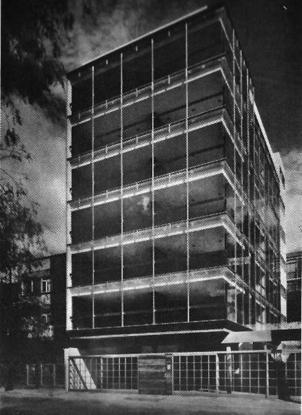 Edificio Alpes 1967  Col. Lomas de Chapultepec. México D.F.  Arq. Manuel González Rul