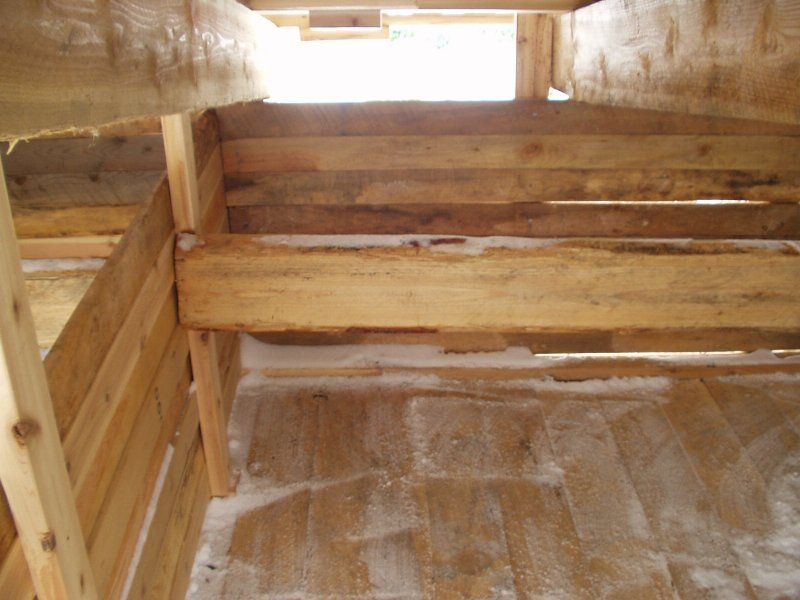 how to build a farrowing hut