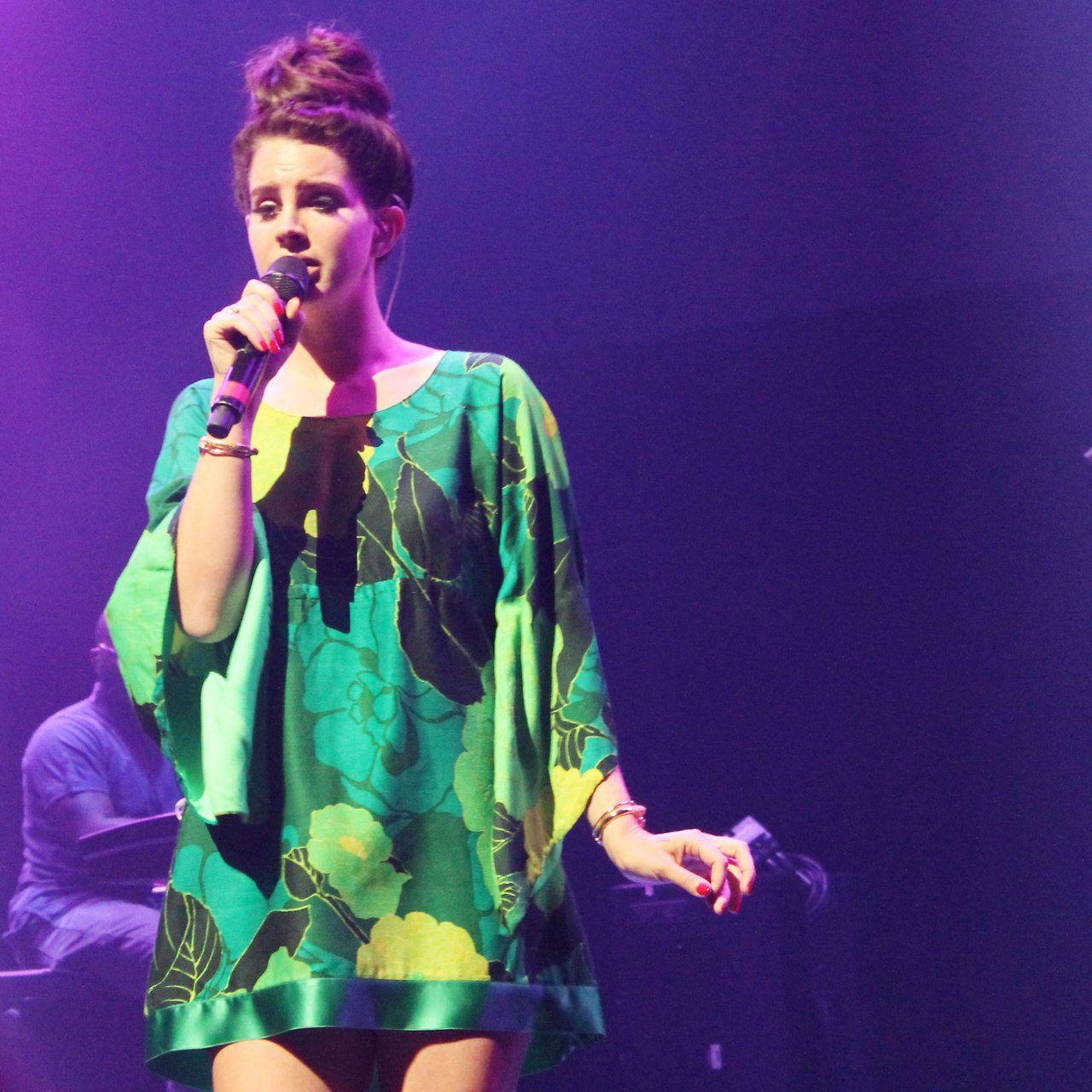 Lana Del Rey in Paris