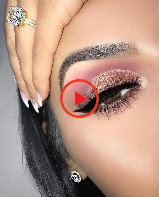 A Queen's Guide to Pageant Makeup