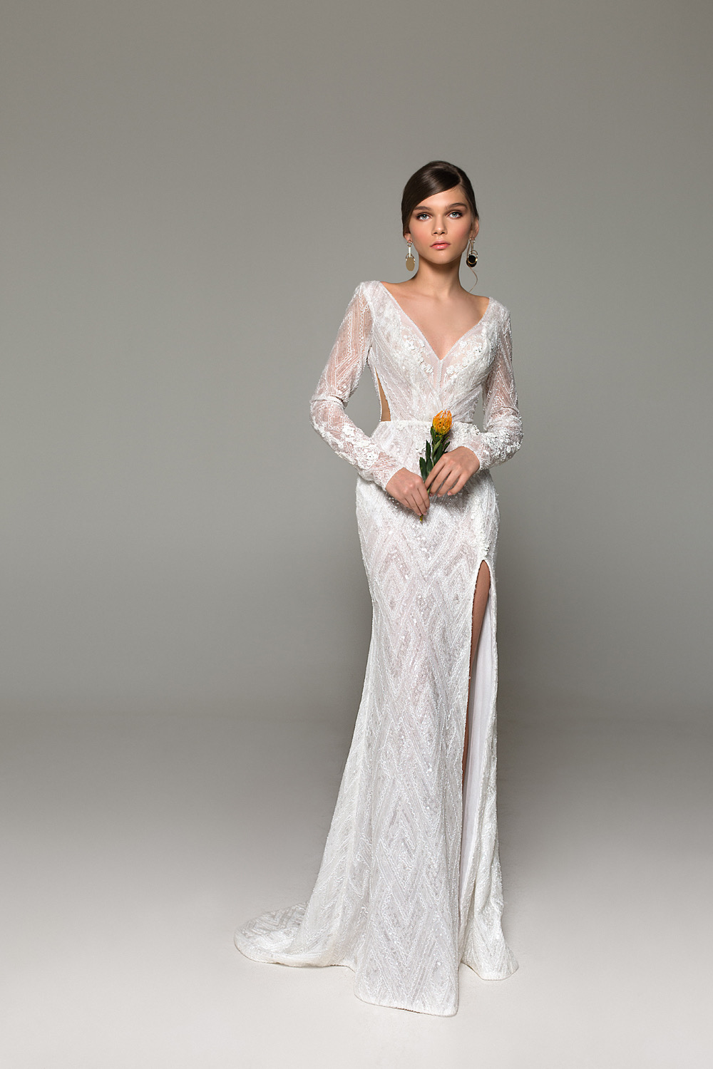 Off The Rack Clearance Gowns Frisco In 2020 Wedding Dresses For Girls Amazing Wedding Dress Boho Wedding Dress