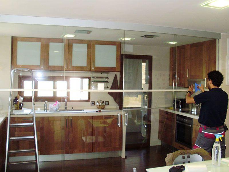 Muro cristal cocinas buscar con google cocinas - Puertas cocina cristal ...