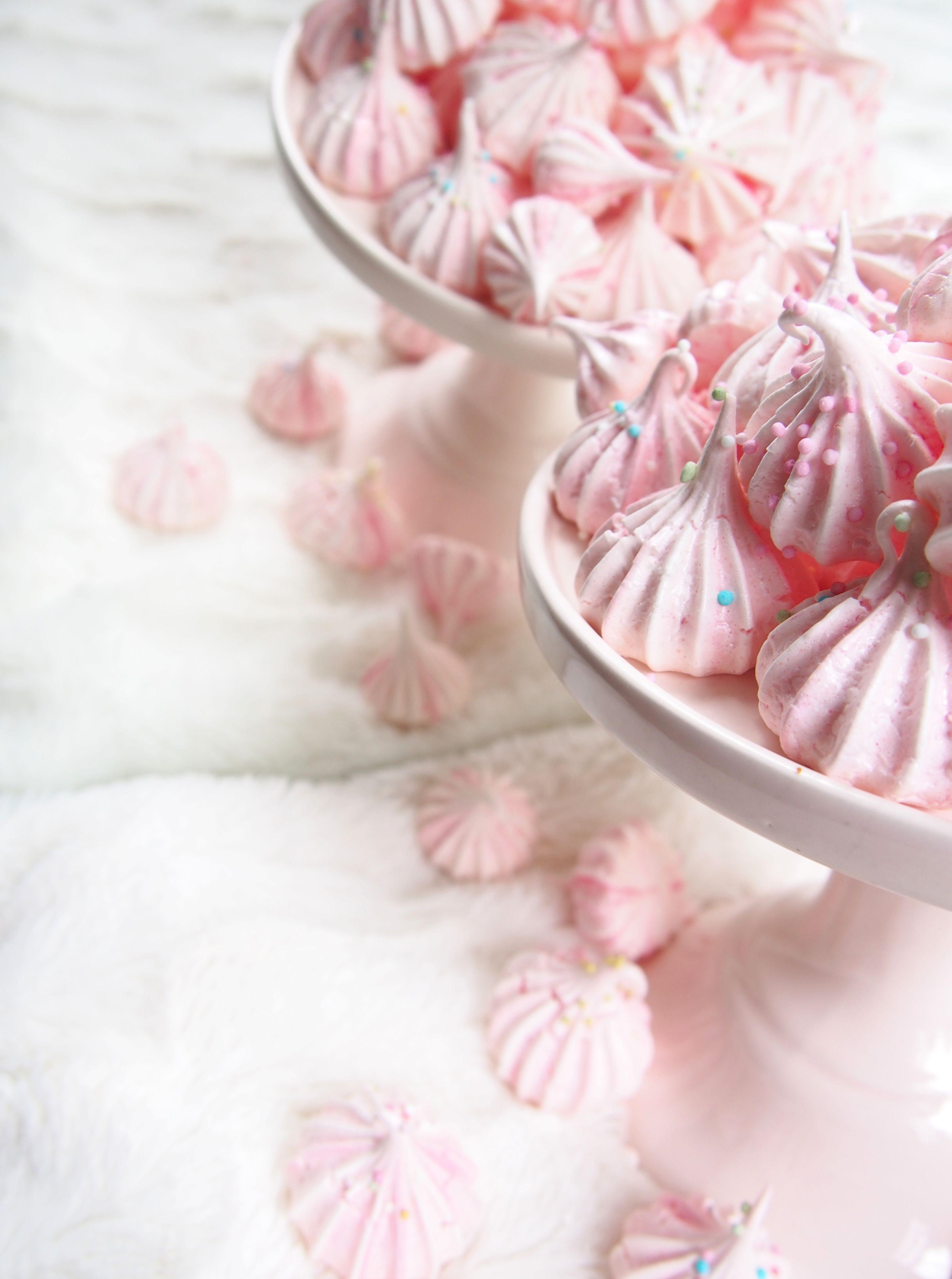Bubblegum meringues