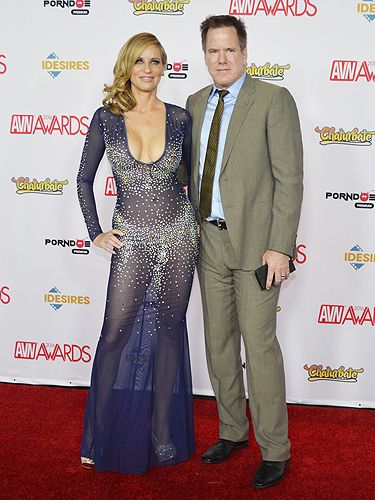 Jodi and Jay West | 2016 AVN Awards Red Carpet | Red