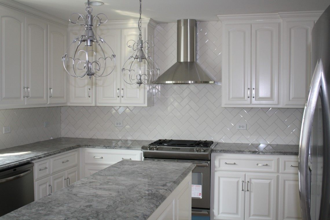 Grey Granite Countertops With White Cabinets 3bantu86 Grey And White Kitchen Kitc Gray Kitchen Countertops Kitchen Remodel Countertops Grey Granite Countertops