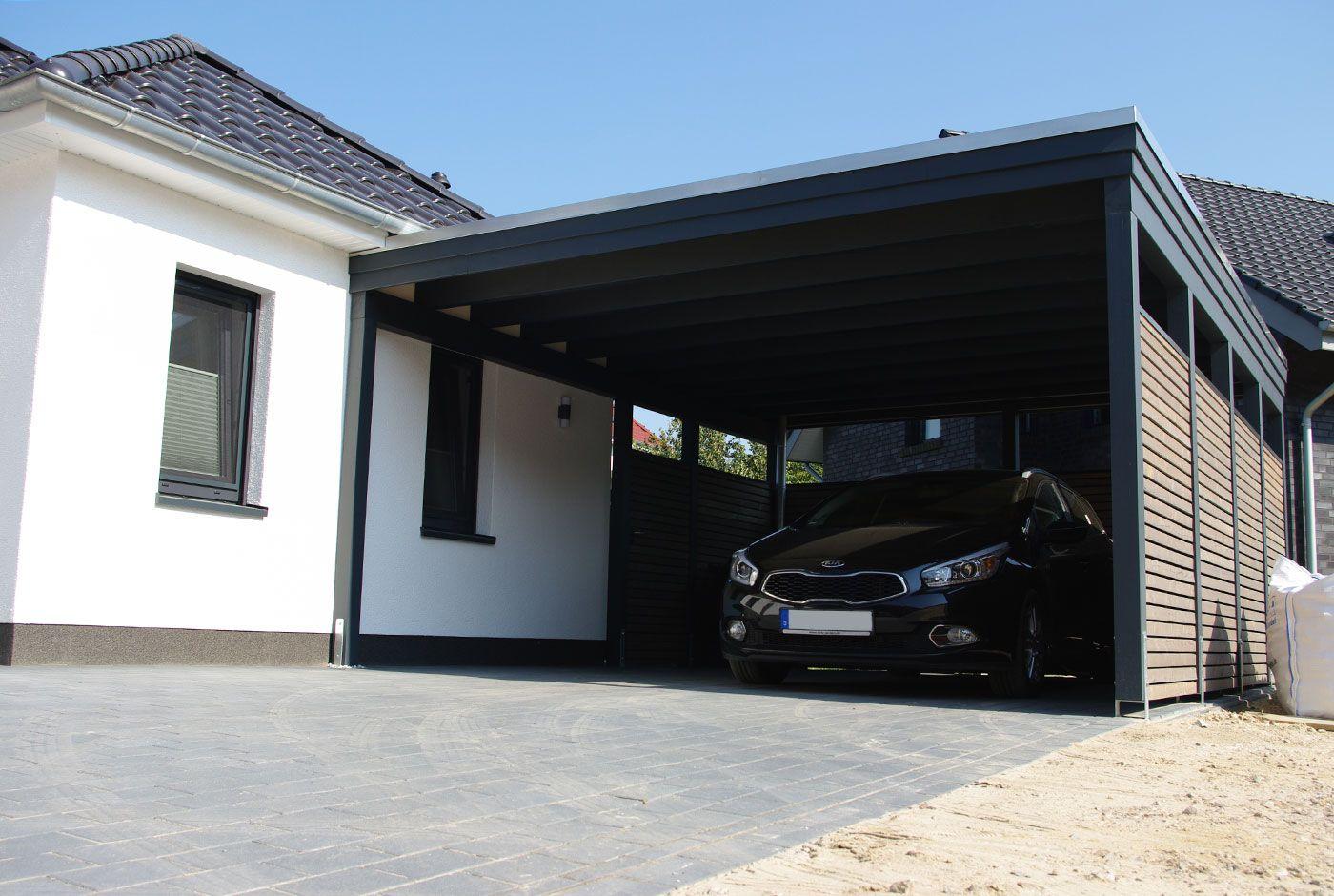 Ein Flachdachcarport Angeleht An Eine Hausmauer Wer Z B Ein Warmeverbundsystem Oder Eine Putzwand Hat Sollte Zusatzliche Pfosten Zur Lastab Glasdach Dach Haus