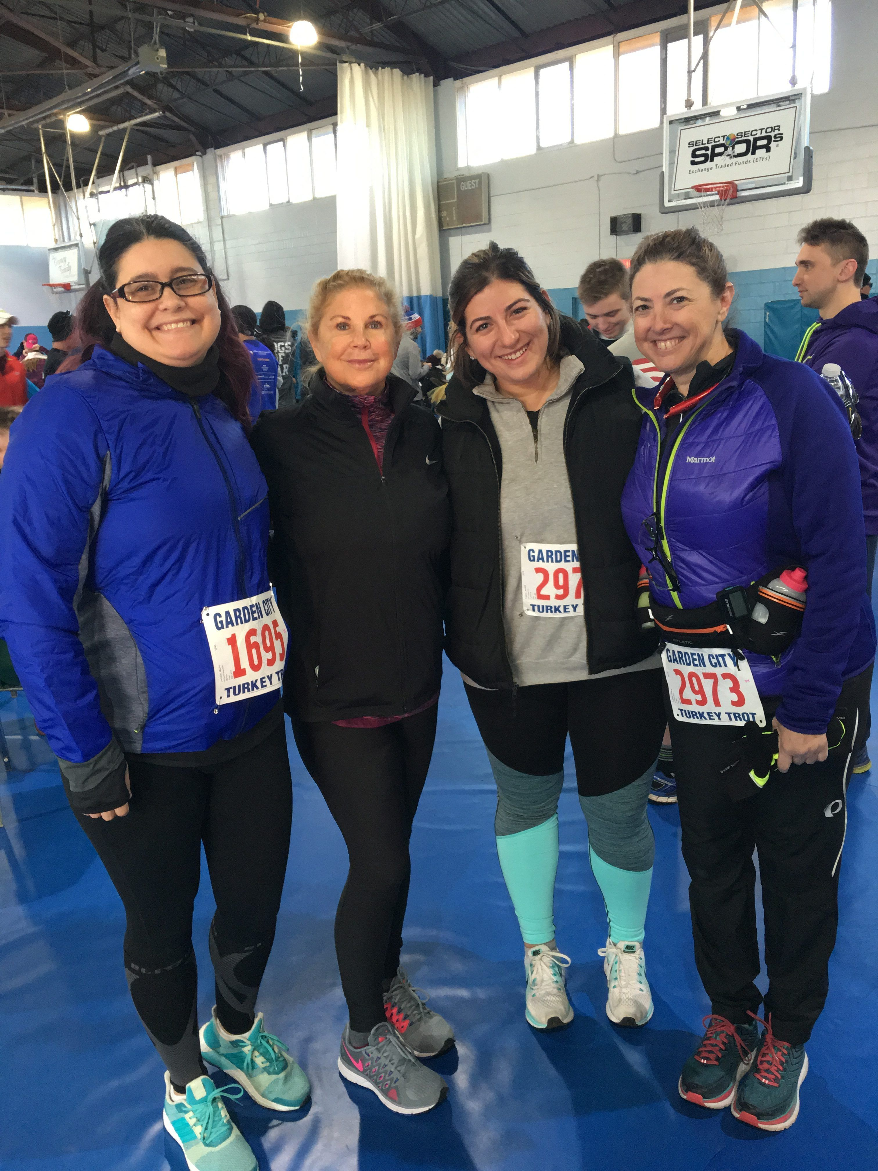 team galloway li makes an appearance at the garden city turkey trot - Garden City Turkey Trot