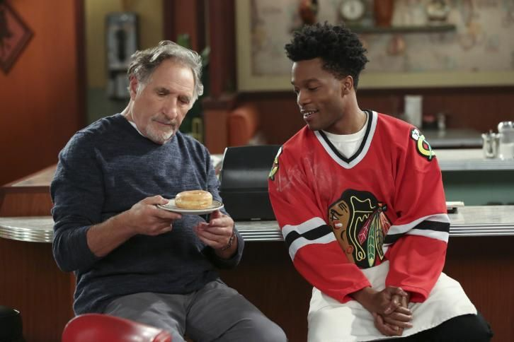 Superior Donuts Episode 1 01 Pilot Sneak Peeks Promotional Photos Press Release Superior Donuts Premiere Episode