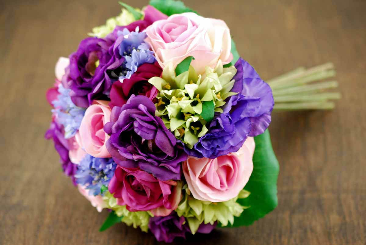 Rose and Lisianthus Bouquet in Future wedding Pinterest