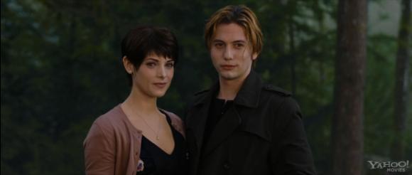 TV Spot De Breaking Dawn Part 2 : Quand Emmett Défie Bella - Strongest