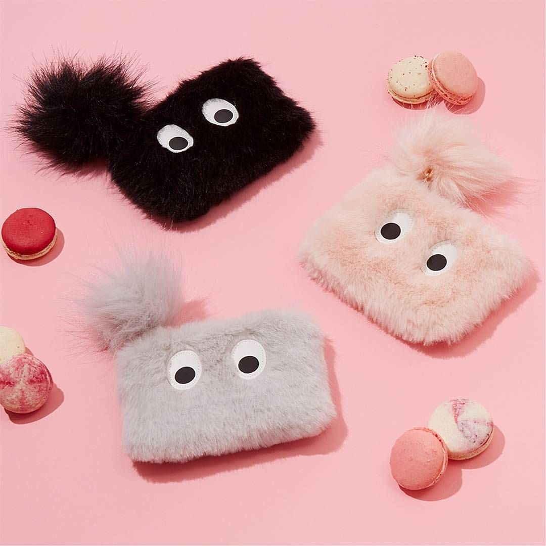 Seriously, how cute are these?! Fluffy purses only £4/€6 each 💗 #Primark #Primania #accessories