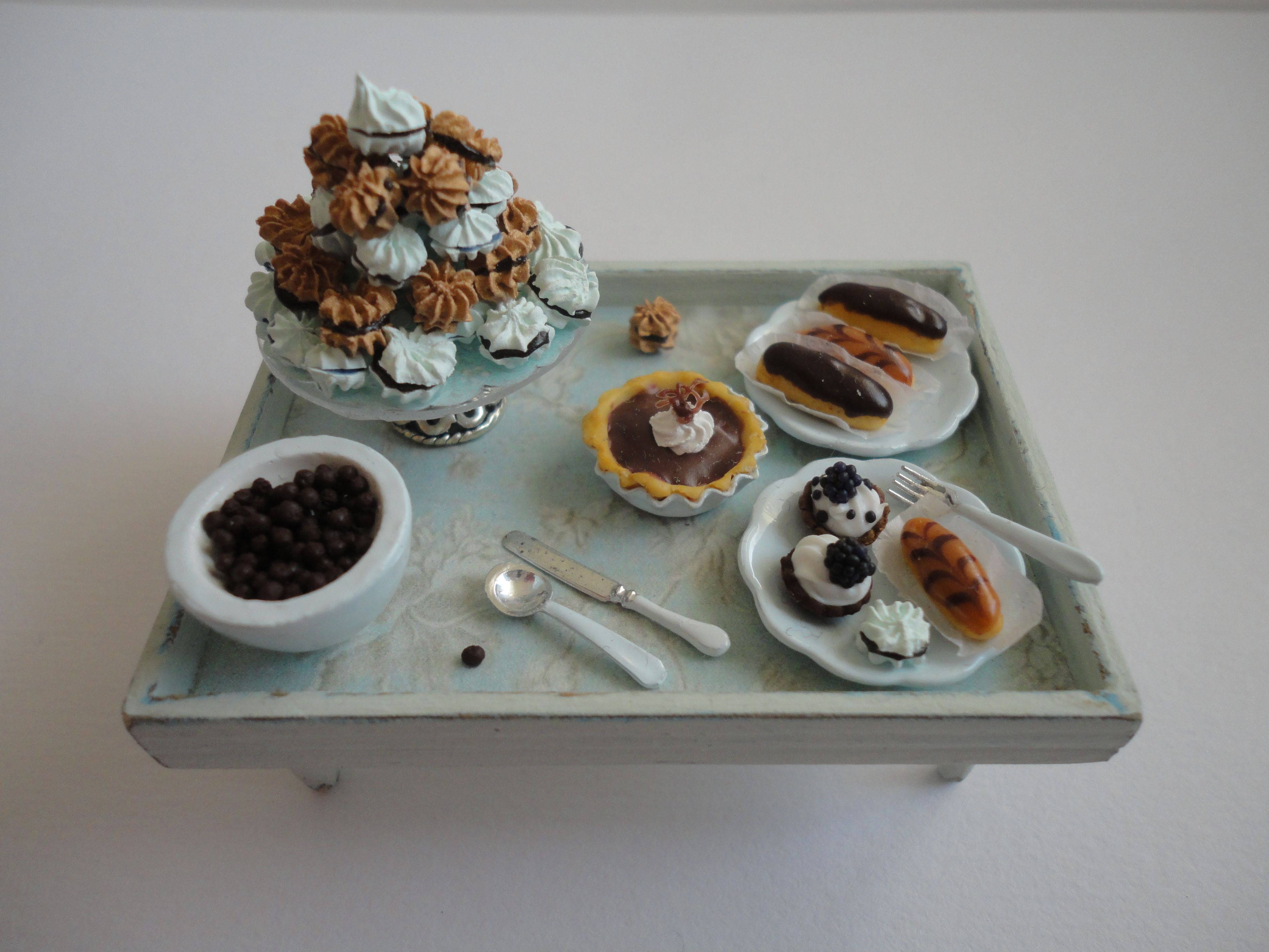 Blue tray with pastries - Orsi's Miniatures