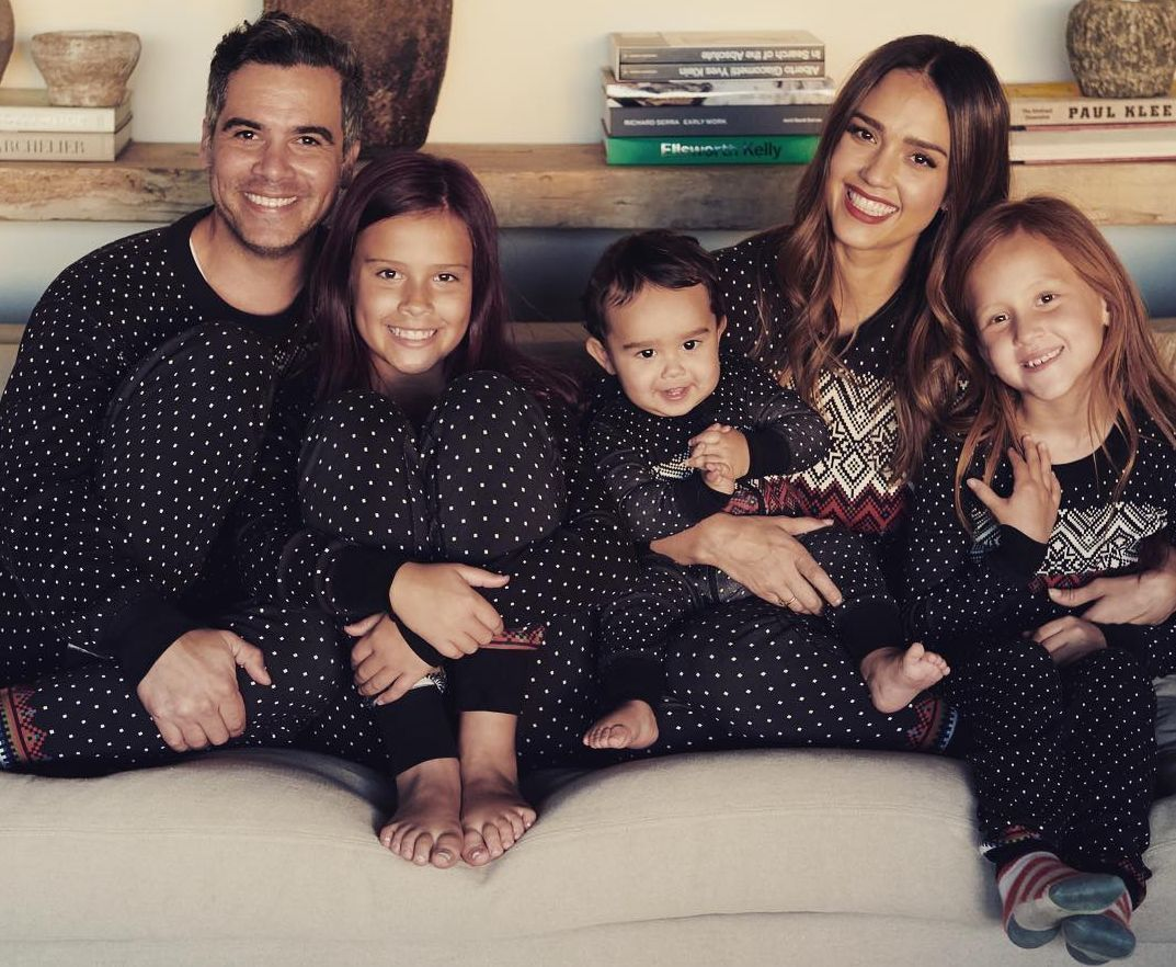 The Truth About Jessica Alba S Husband Cash Warren Thenetline Jessica Alba Family Jessica Alba Jessica Alba Style