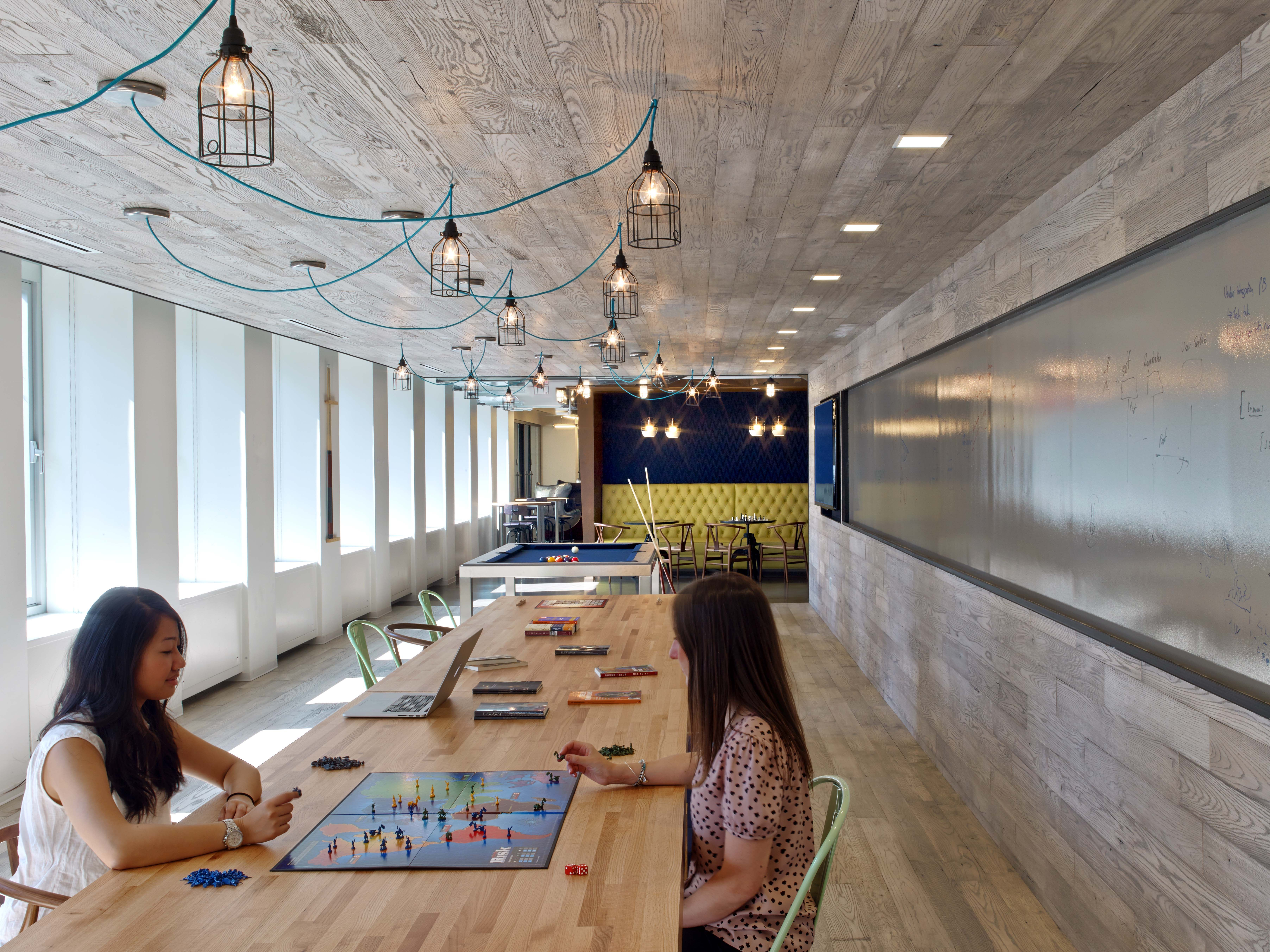 Condé Nast Entertainment S Rustic Open Nyc Office Entertaining Conde Architecture