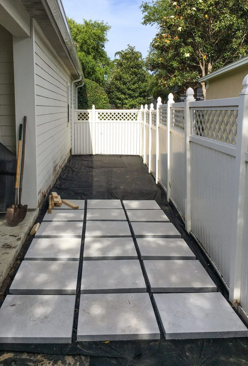Building The Paver Patio Backyard Patio Concrete Paver