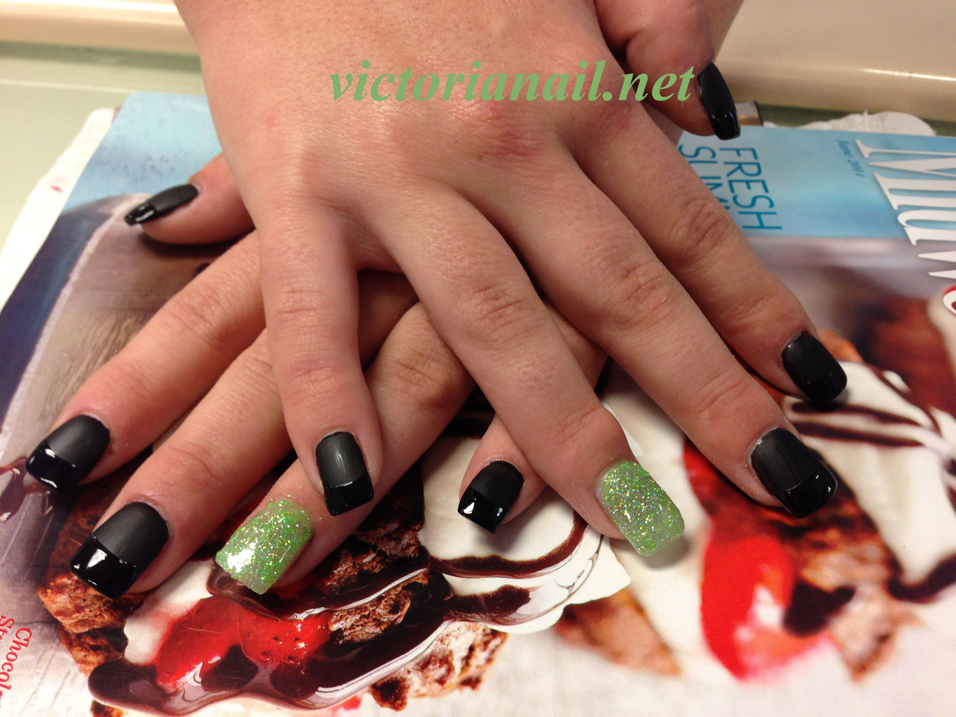 Black dress nails - Prom Nails For Green Dress