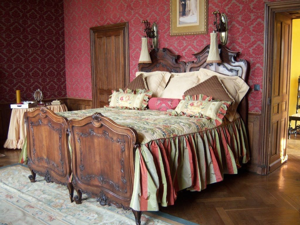 Guest Bedroom Push Two Twin Beds Together For A King Size