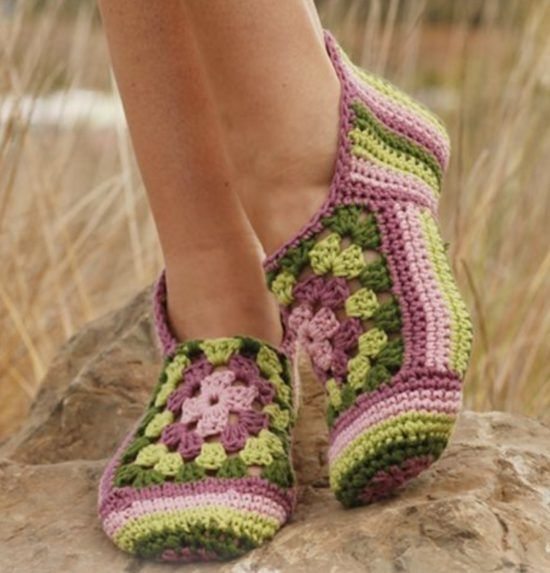 Crochet Galilee Booties How To Make Them Video   Hausschuhe, Häkeln ...