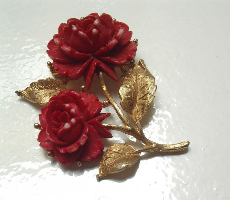 Red Rose Necklace Red Rose Flower Necklace Red Rose Flower Etsy Red Pendant Necklace Real Flower Jewelry Flower Jewellery