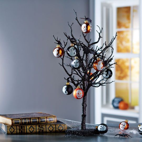 i am going to find a way to craft this entire project instead of just buying a tree and hanging ornaments on it get scary with this halloween tree - Halloween Tree Decorations