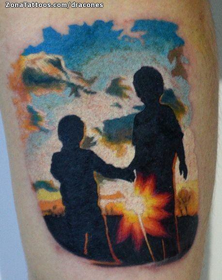 Tatuaje De Siluetas Personas Paisajes Tatuajes Tattoos