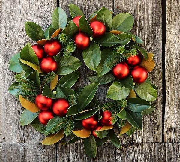 outdoor christmas decorations magnolia wreath diy christmas wreath - christmas wreath decorations