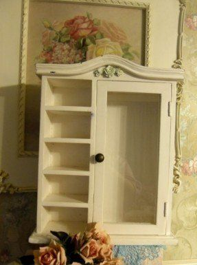 SMALL WALL MOUNT CURIO CABINET W/ GLASS DOOR & 5 SHELVES SHABBY ...