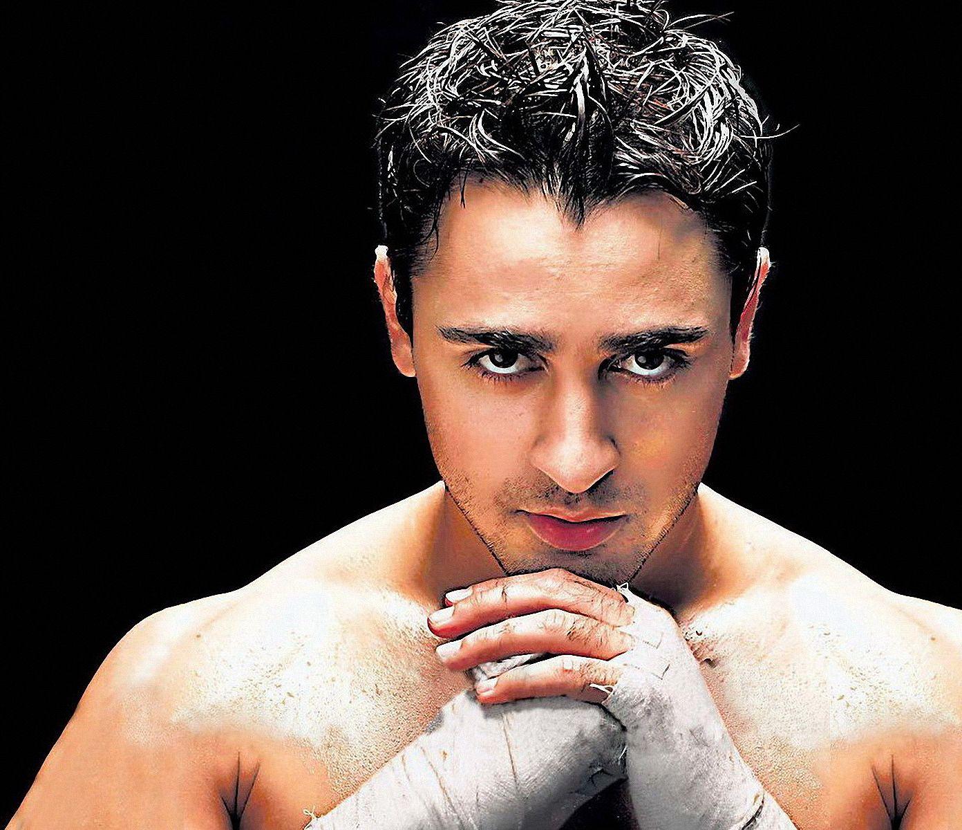 Imran Khan Hairstyle And Haircut Ideas Celebrity Hairstyles Imran Khan Celebrity Short Hair