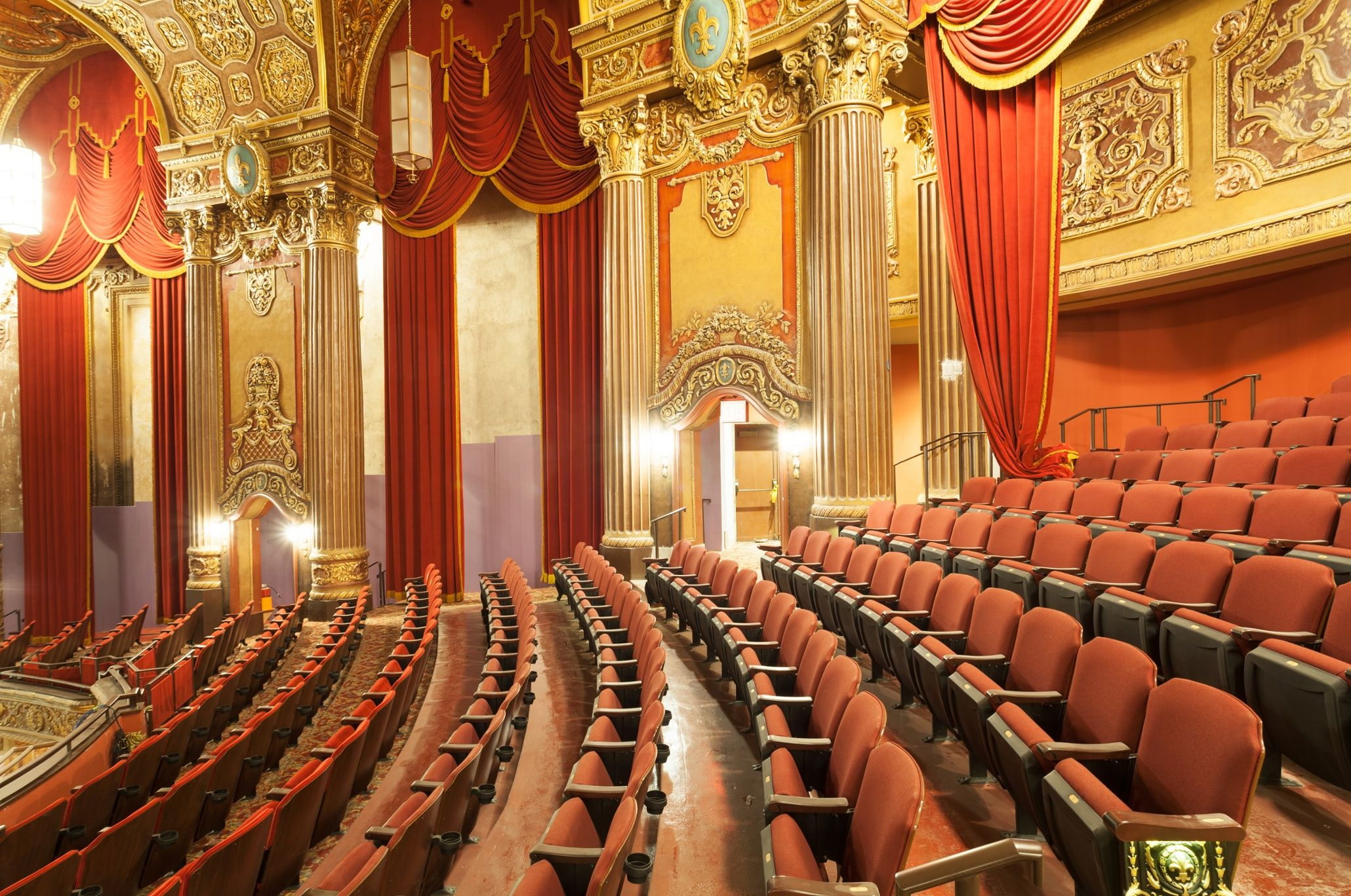 New yorks historic kings theatre grand reopening in