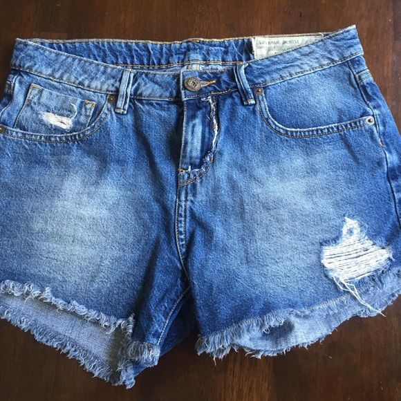 Vintage Denim! Jean shorts Jean shorts. Tag is off but LIKE NEW! Got them but didn't end up wearing them at all. Super cute and just in time for summer Tennis Shorts Jean Shorts