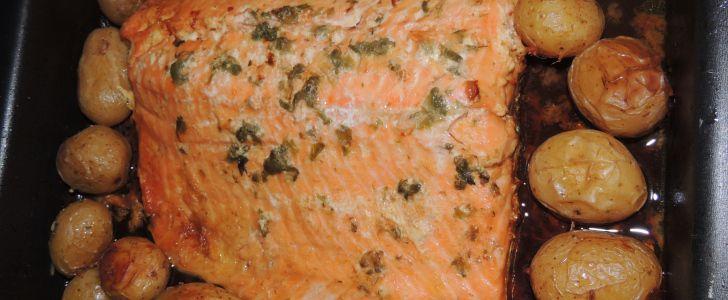 Salmão com alcaparras no forno
