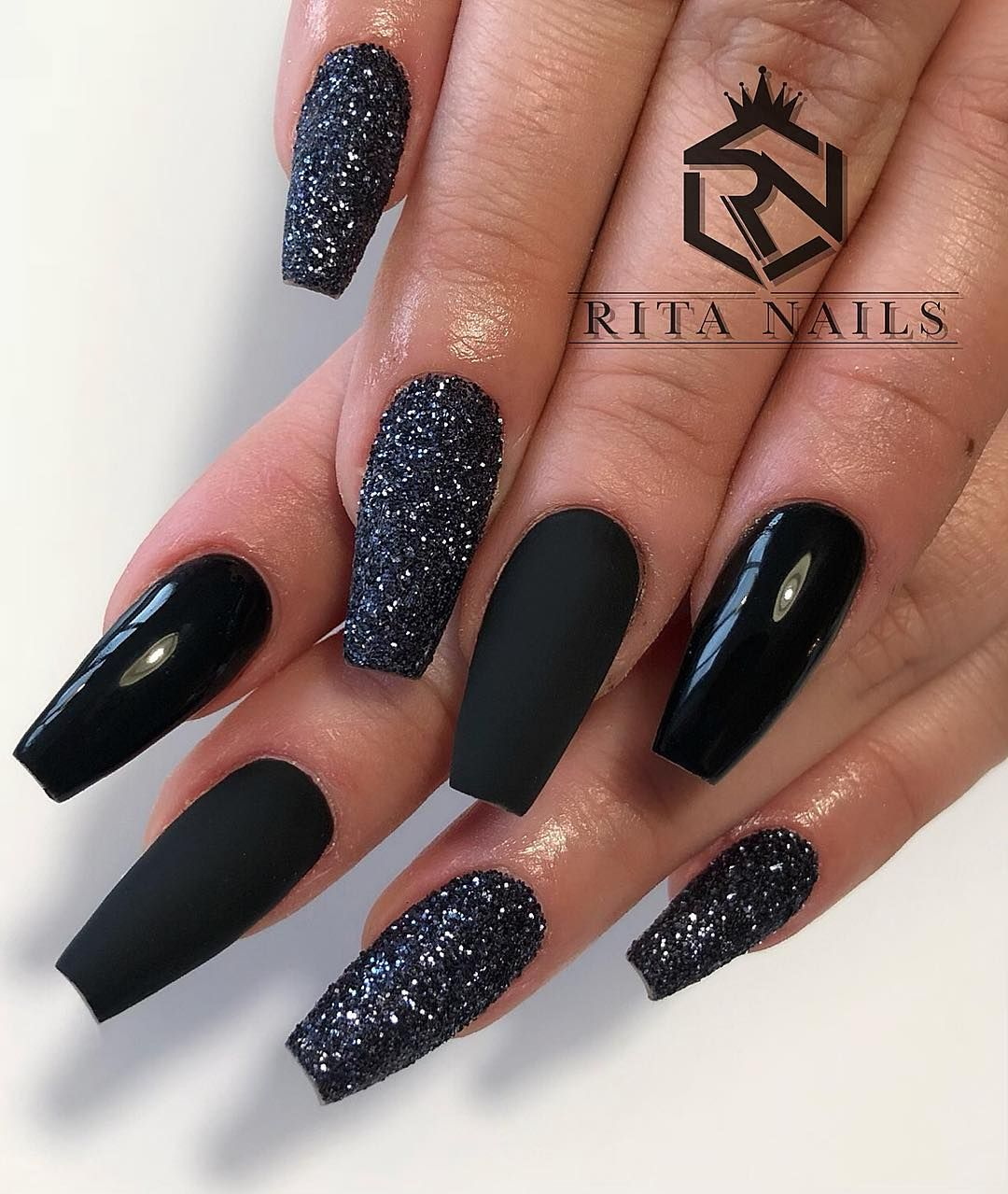 Nailstylist Ballerinanails Zurich Nailsswag Nails Nailstagram Naildesign Blacknails Black Acrylic Nails Coffin Nails Designs Black Nails With Glitter