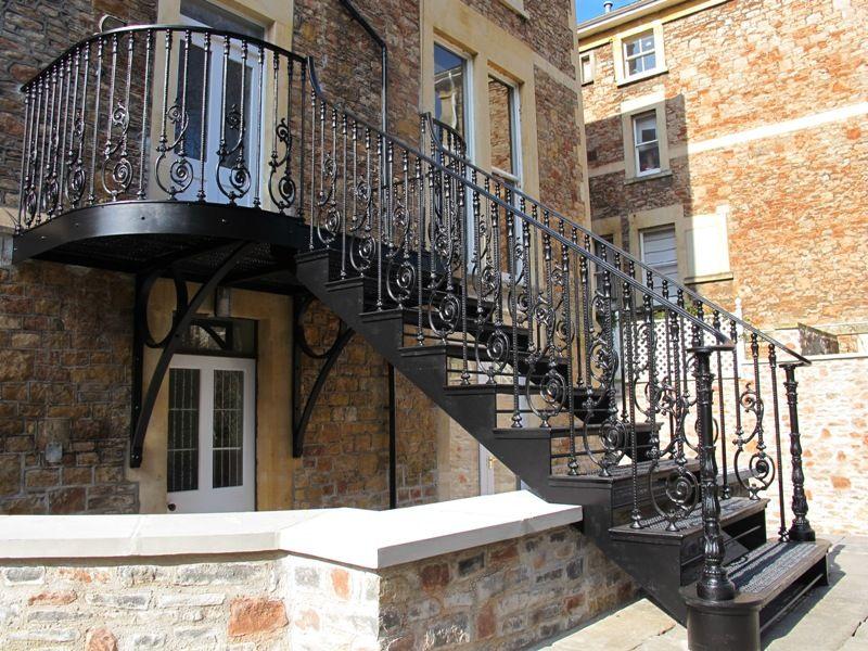 Best A Cast Iron Staircase In Clifton Bristol Görüntüler Ile 400 x 300