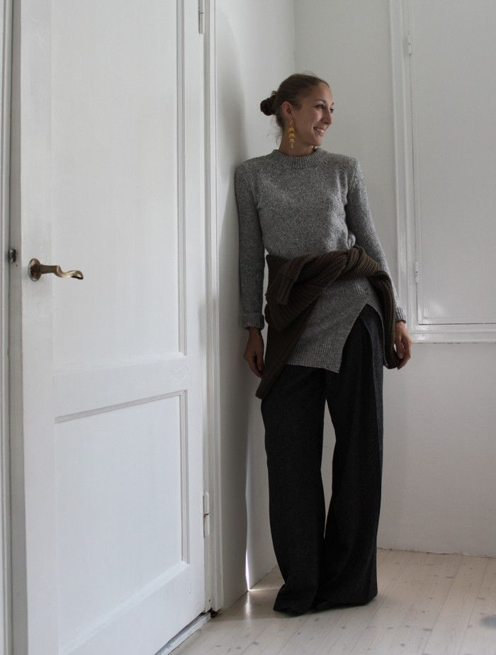 Knits and a slit - you feelin it | Lily.fi
