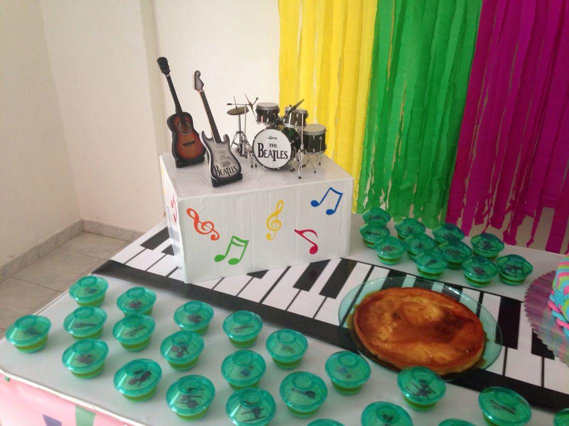 Detalles mesa de torta fiesta infantil decoraci n musical for Decoracion de tortas infantiles