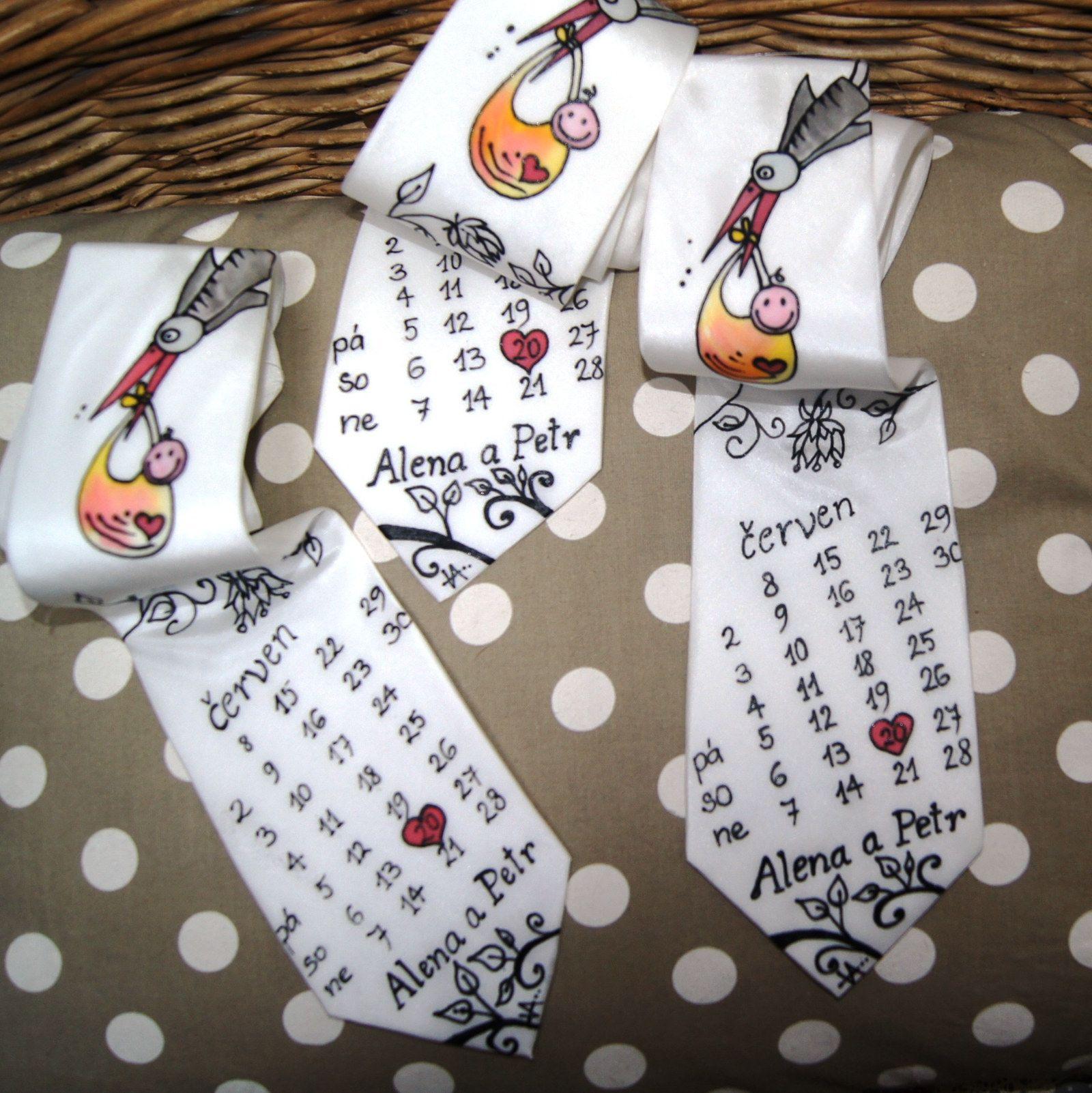 c1ec3d8917a Bílá malovaná kravata svatební a pro svědky Materiál  100 % hedvábí ...