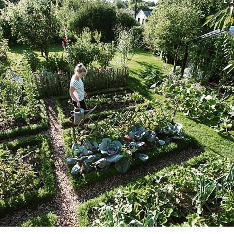 These Are the 10 Dreamiest Gardens on Pinterest is part of Vegetable garden design, Vegetable garden planner, Garden types, Garden planning, Potager garden, Raised garden - Ever since we got these pro landscaping tips on how to design a gorgeous outdoor space I've been thinking about planning a garden  The bad news is that I live on the third floor of a loft space so I'm