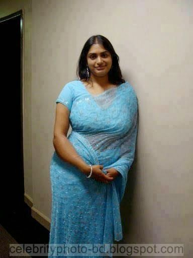Sexy images of desi aunty