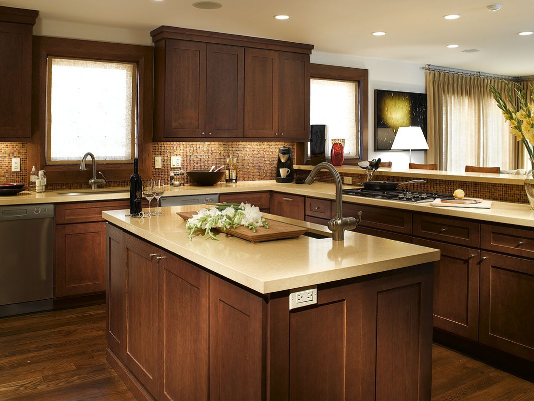 Best Quarter Sawn Walnut In Shaker Door Design And Cabinetry 640 x 480
