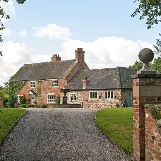 Step inside this beautiful Staffordshire farmhouse | Jardín y Casas