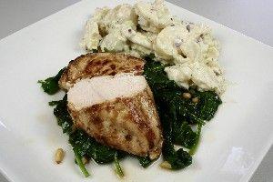 Marineret kyllingefilet med kartoffelsalat og varm spinatsalat 4