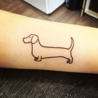 Basset Tattoo Pesquisa Google Dachshund Tattoo Dog Tattoos