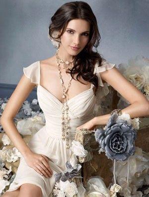 (NO.001023)A-line V-neck/straps Ruffles Chiffon Ivory Bridesmaid Dress / Cocktail Dress / Homecoming Dress
